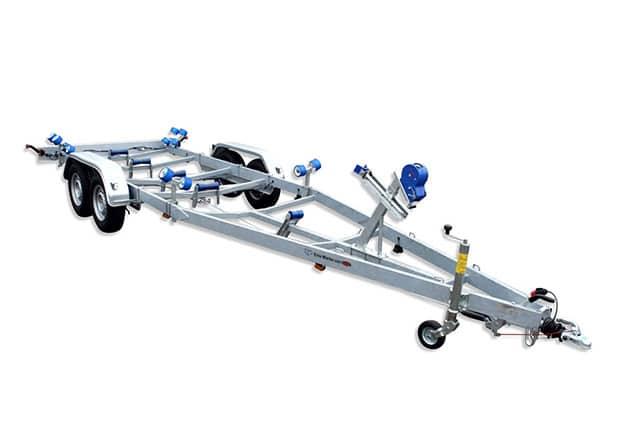 Bootsanhänger, Bootstrailer TPV, TPV BA750, BA 1300, TPV BA2700, Ansicht schräg/vorne, Hintergrund weiss
