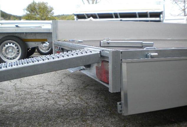 Multitransporter, Universaltransporter EDUARD, geöffnet, Farbe grau, Ansicht seitlich/hinten im Freien