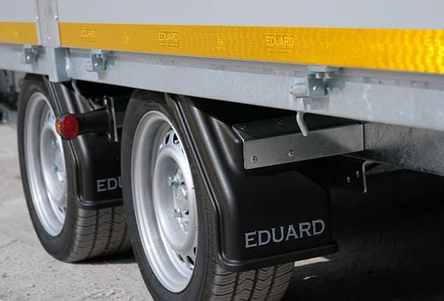Radkasten mit Rädern von 2 Achs Hochlader, Marke EDUARD, Ansicht schräg hinten, Hintergrund weiß