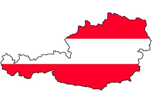 PKW-Anhänger Lieferung, PKW-Anhänger Zustellung, Österreich, Karte Österreich, Farbe: rot weiß rot, Hintergrund weiß