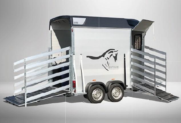 Pferdeanhänger Sirius S80, Pferdeanhänger Sirius S80 Aluminium, Sirius S80 front exit, Pferdeanhänger vorne und hinten geöffnet