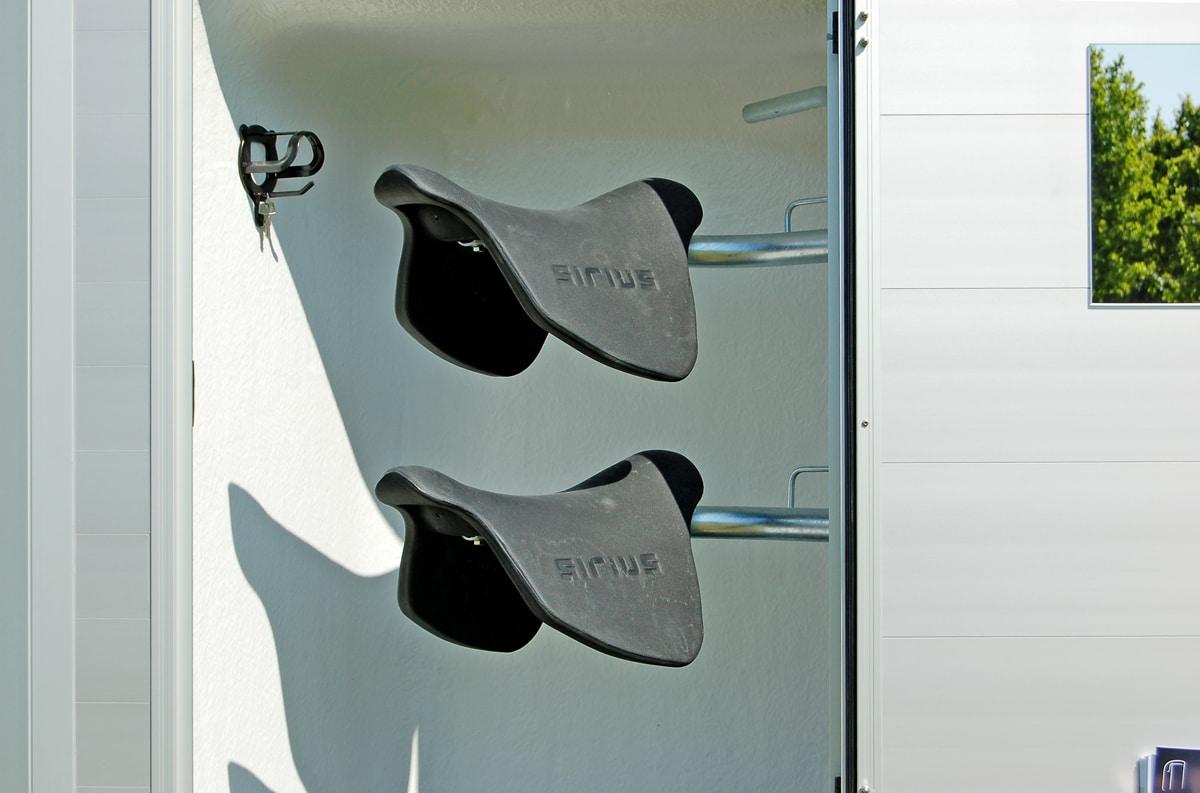 Anhänger Österreich, Pferdeanhänger, Sirius S45 Alu, Pferdeanhänger Sirius S45 Alu, Aluminium, Sirius S45 geöffnet, Aufnahme im freien, Ansicht Sattelkammer